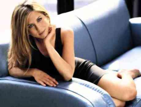 Jennifer AnistonKiss